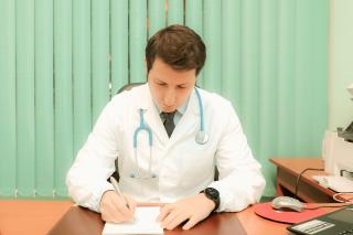 luca,paolini,cardiologo,elettrocardiogramma,Ecografie muscolo-tendinea,visite specialistiche,analisi strumentali,servizi